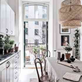 small-parisian-chic-style-kitchen